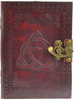 Triquetra leather w/ latch
