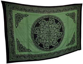 "Celtic Knot 72""x108"" green, black"